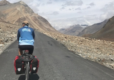 Roaring 40s Kayaking - Newsletter - Reg and Jen's Adventure Cycling Manali to Leh