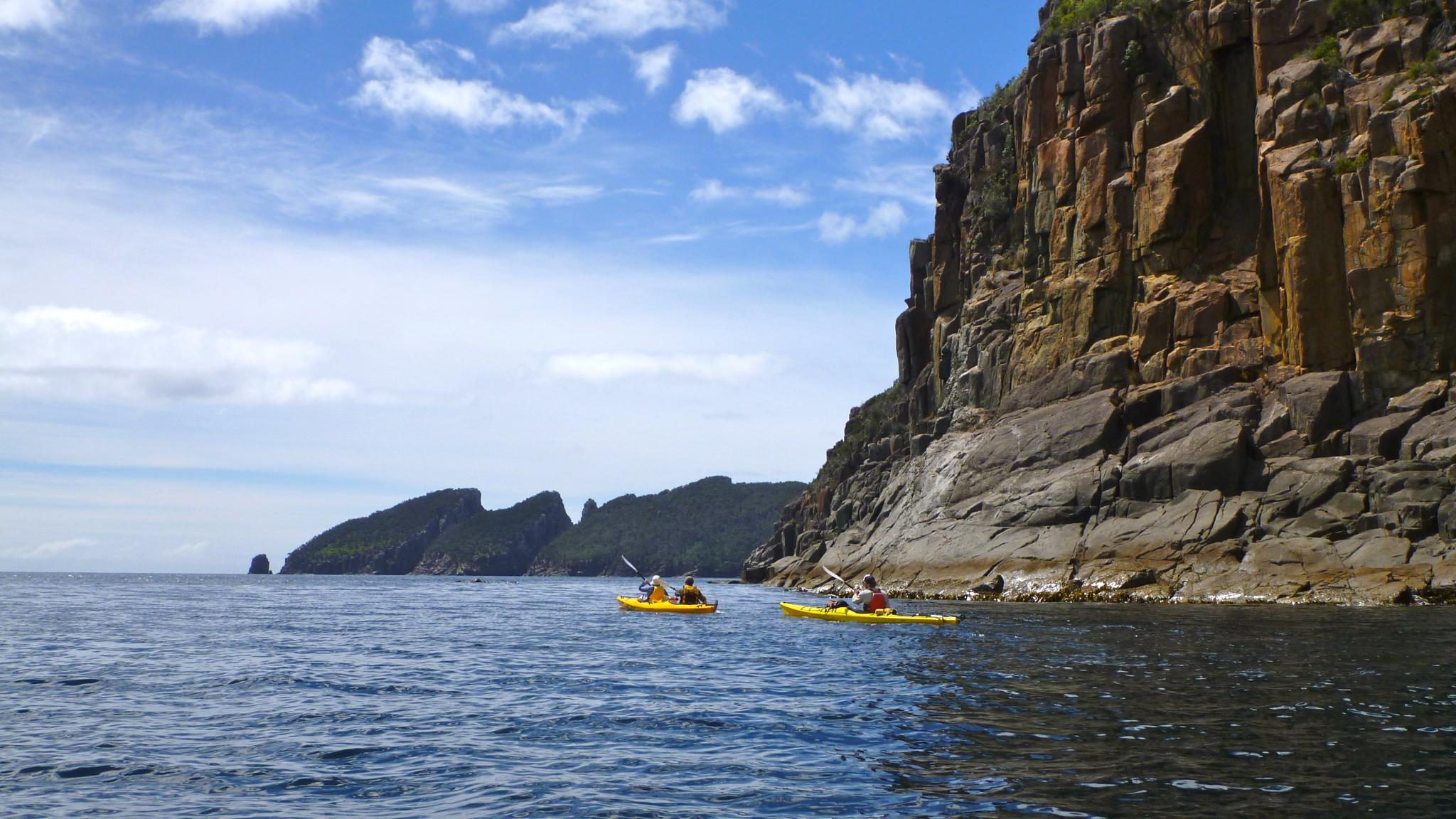 Roaring 40s Kayaking - Day tour kayaking along cliffs near Port Arthur, Tasmania