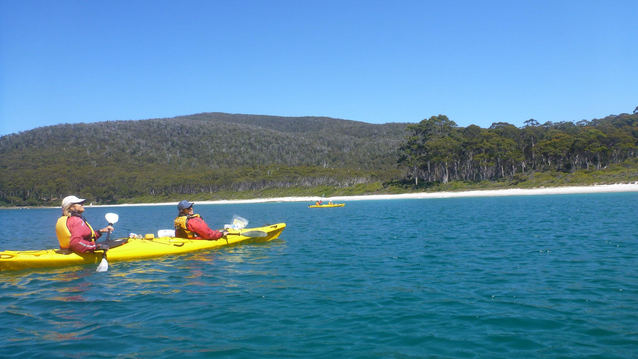 Roaring 40s Kayaking - Sea kayak skills lessons to teach skills to increase your kayak abilities