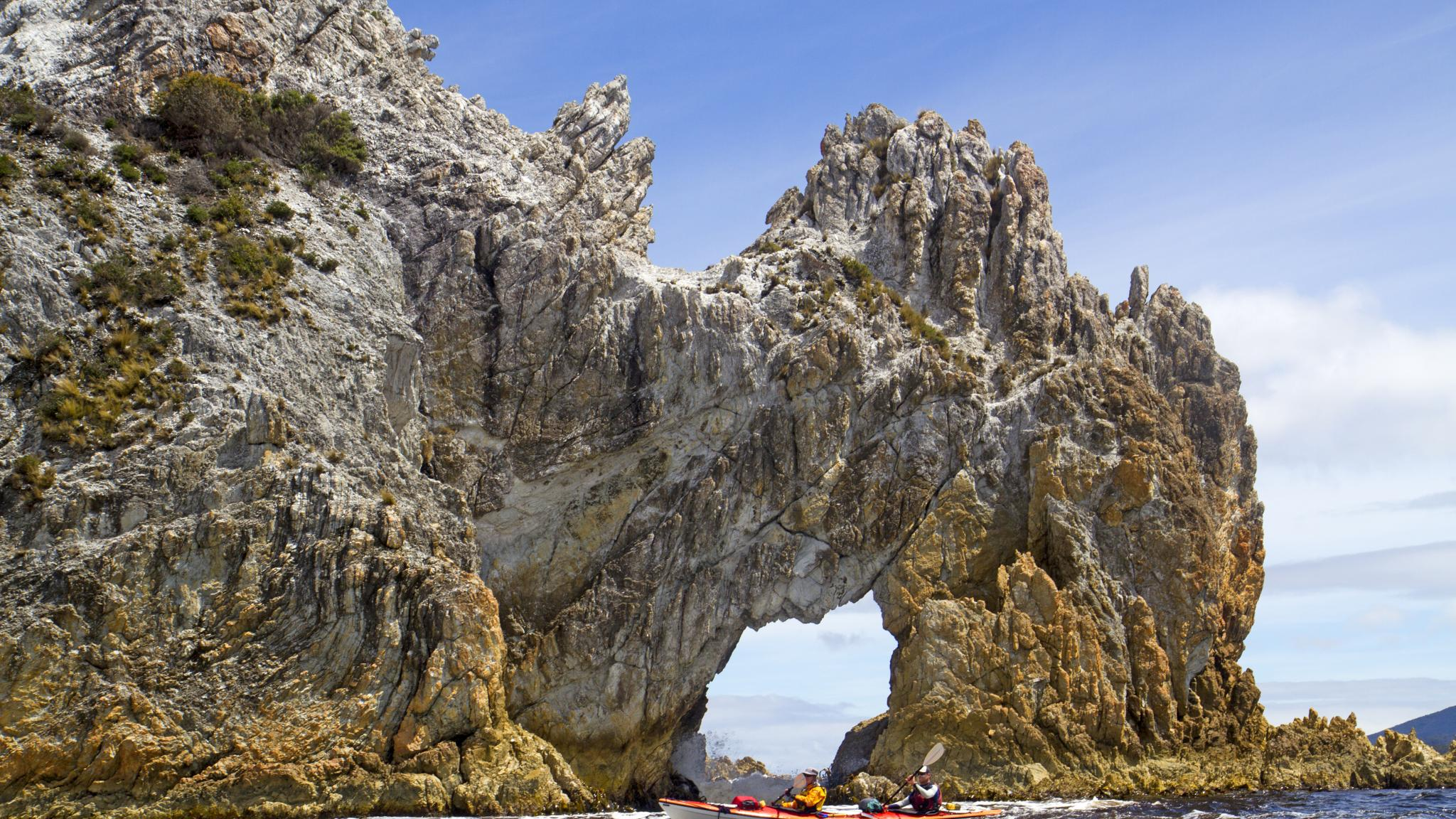 Roaring 40s Kayaking - Kayaking adventure tour at Wallaby Arch, Port Davey